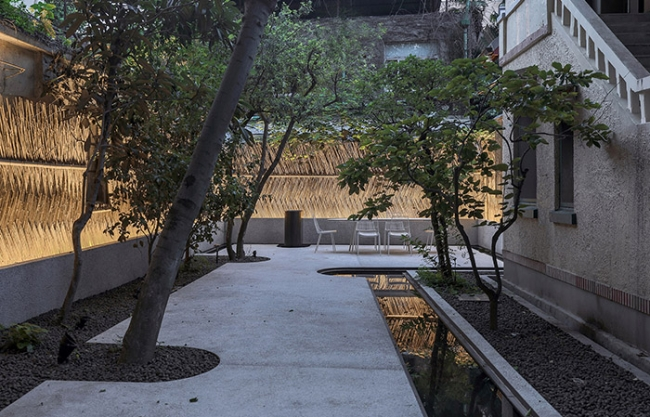 The Home of the Courtyard, Gaoyou Road , Shanghai, China by Jin Design Studio
