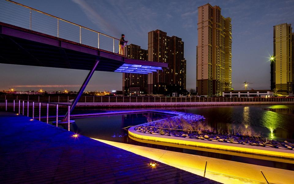 能达商务区生态绿轴,南通/奥雅设计城市与河流的再连接