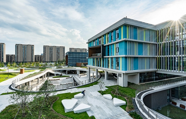East Campus of Ningbo Xiaoshi High School by UDG China