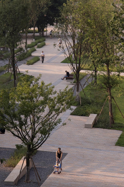 重庆北大资源燕南大道改造设计 / WallaceLiu 从公路到绿色漫步街区