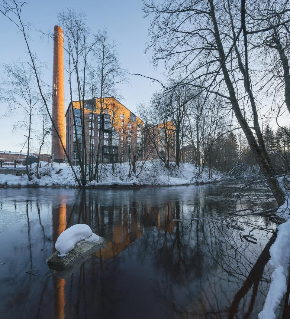 Albertinpiha公寓楼,芬兰 / JKMM Architects 彩色砖块激活工业风格建筑