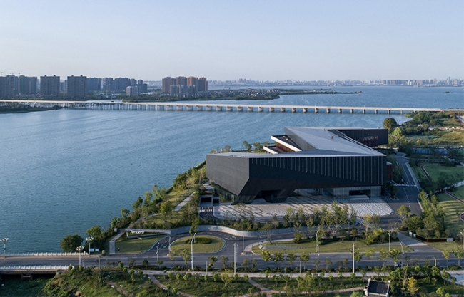 Tencent (Wuhan) R&D Center, China by GN