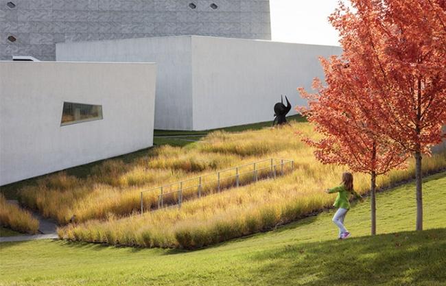 2018 ASLA GENERAL DESIGN AWARD OF HONOR: Walker Art Center Wurtele Upper Garden by Inside Outside + HGA