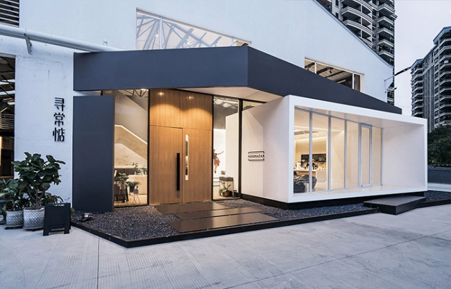 Normal2AB Compound Space in Zhongshan, China by Simple Space Design