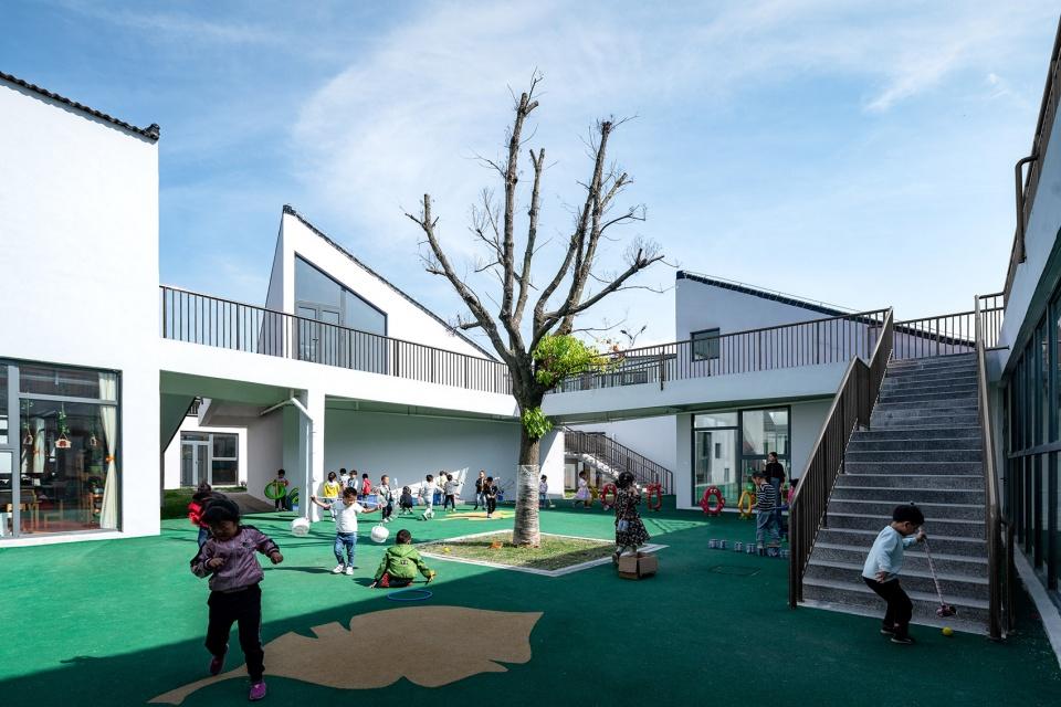 """村庄里的""""村庄"""" – 北沙幼儿园,江苏 / Crossboundaries 迷你版村庄塑造神秘乐园"""