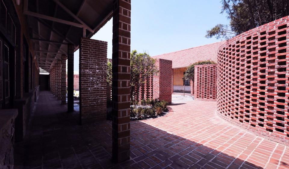 1971研学营地旧学校改造,山东 / DK大可设计 在满足住宿功能需求的同时保留旧时学堂的记忆