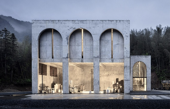 BingDing Wood kiln in Jingdezhen, China by AZL architects