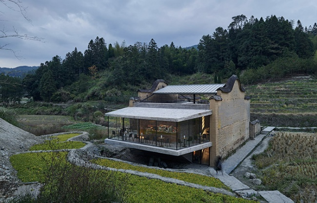 Xiadi Paddy Field Bookstore of Librairie Avant-Garde, China by TAO