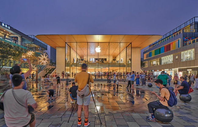 Apple Store, Sanlitun, Beijing by Foster + Partners