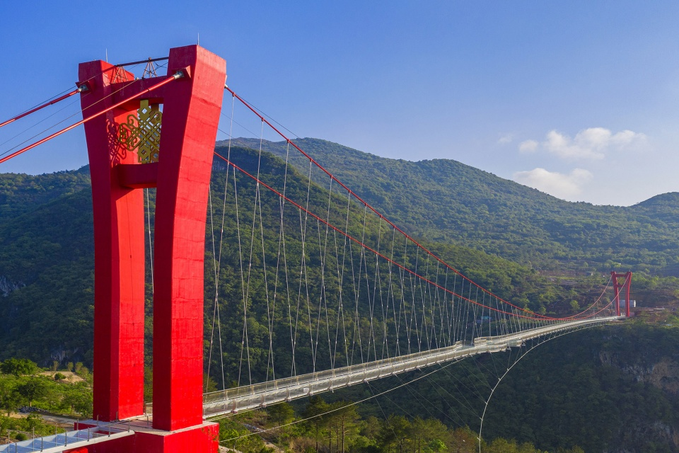 连州湟川三峡_Glass Bridge in Huangchuan Three Gorges Scenic Area, China by UAD - 谷德设计网