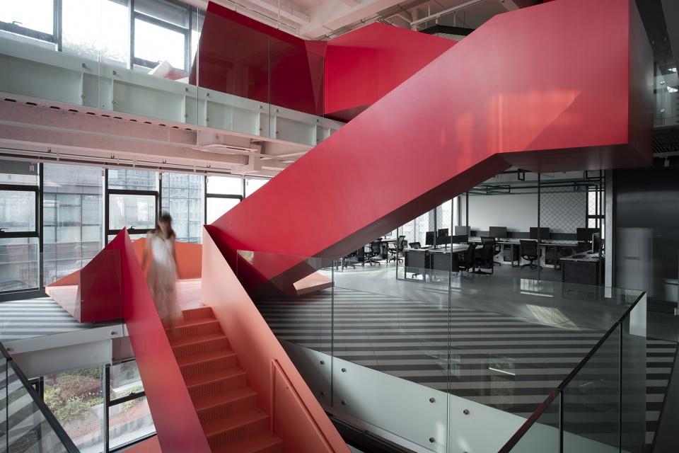 圳弋戈成都总部改造-折叠的空间装置