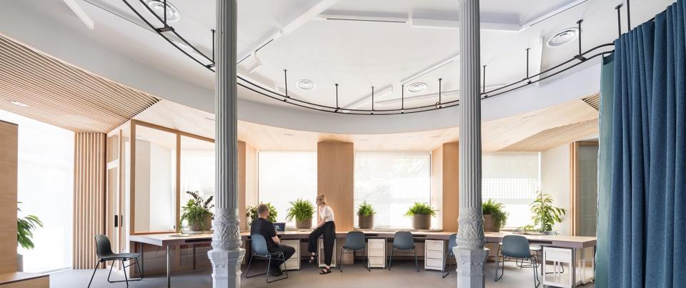 XEITO理財辦公室-使用多種隔斷打造靈活的辦公空間
