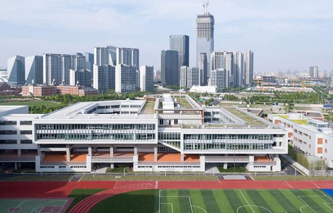 华东师范大学第二附属中学前滩学校及冰厂田前滩幼儿园,上海 / 致正建筑工作室+大正建筑事务所