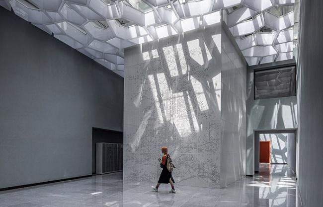 中央美术学院燕郊校区图书馆改造 / 中央美术学院何崴工作室